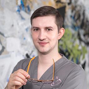 Centrum chirurgii i estetyki twarzy specjalista chirurgii szczękowo-twarzowej