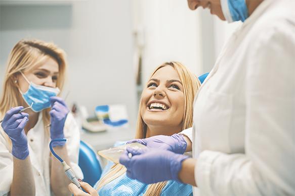 Centrum chirurgii i estetyki twarzy pacjent zabieg stomatologiczny Wrocław