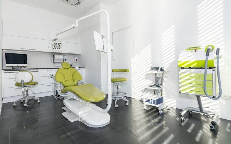 Centrum chirurgii i estetyki twarzy gabinet stomatologiczny klinika Wrocław