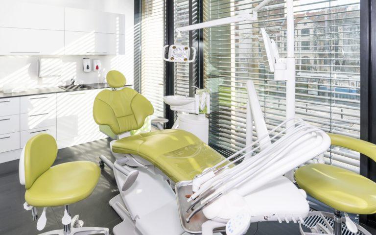 Centrum chirurgii i estetyki twarzy gabinet zabiegowy stomatolog Wrocław