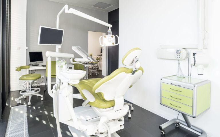 Centrum chirurgii i estetyki twarzy gabinet stomatologiczny we Wrocławiu kompleksowe badanie